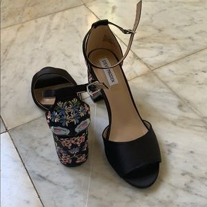 Steve Madden flower heel sandals